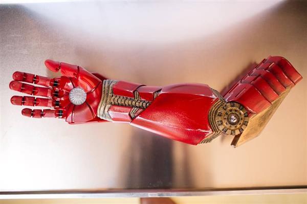 braccio-bionico-1