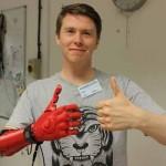 Protesi di Mano Bionica economica stampata in 3D  da Open Bionics