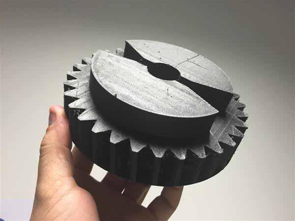 Connettori automobilistici realizzato con fibra di carbonio rinforzata in nylon e FDM 3D tecnologia di stampa