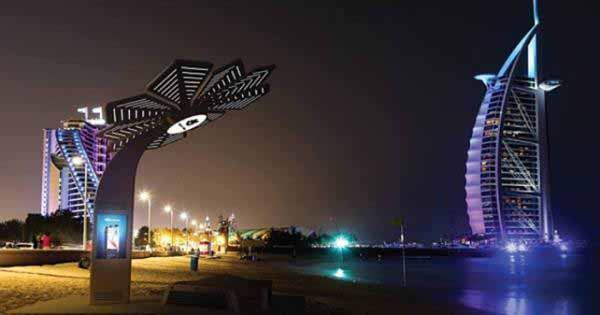 56ed9303a416b Il ricco comune di Dubai sta dotando di Smart Palm (palme intelligenti)  stampate in 3d