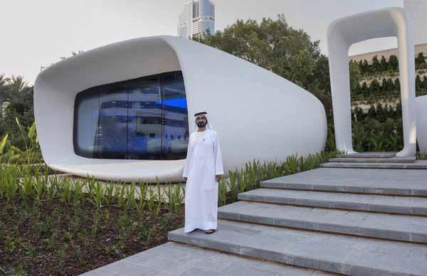 lo Sceicco Mohammed Bin Rashid Al Maktoum, Vice Presidente e Primo Ministro degli Emirati Arabi Uniti e governatore di Dubai, inaugura il primo edificio in 3D stampata completamente funzionale del mondo