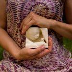 """Stampa 3D del feto permette a mamme non vedenti di """"toccare"""" i loro bambini ancora in grembo"""