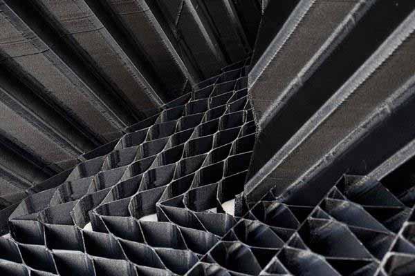 Particolare costruttivo a nido d'ape della parete