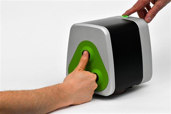 Fuel3D scanner desktop