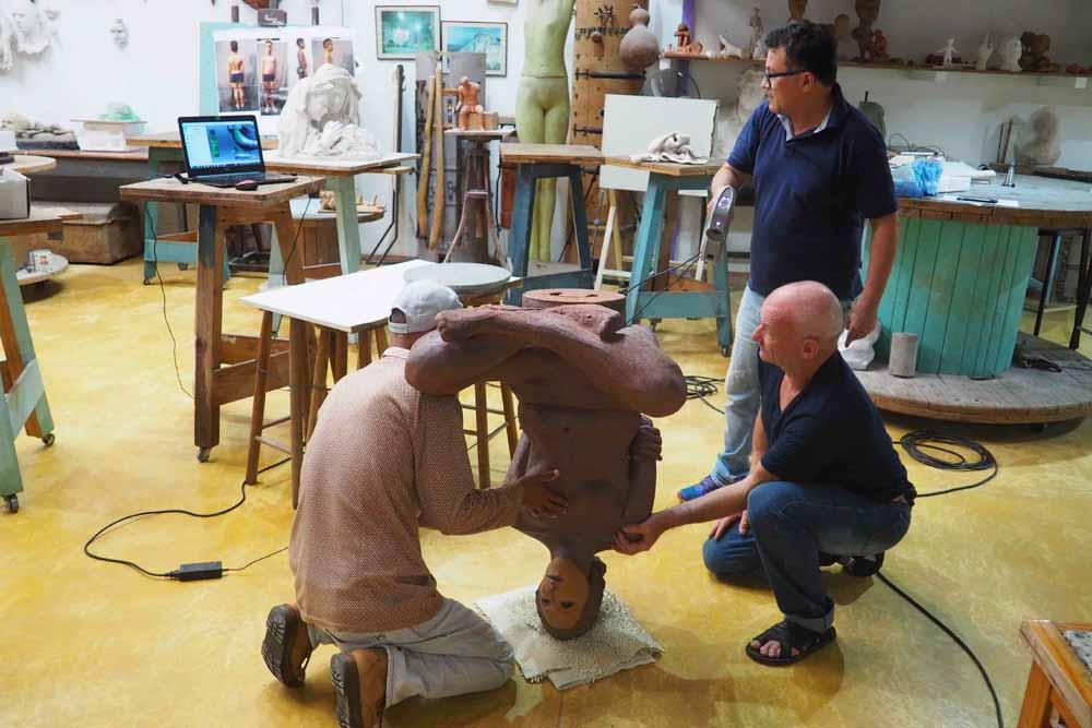 Scansione in 3D dello scultore Cicero d'Avila, dopo la cottura a gran fuoco.