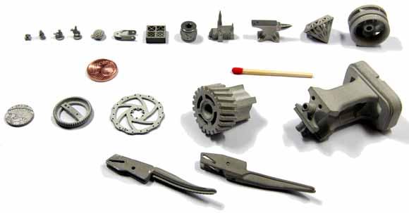Parti campione stampate in 3D dalla serie Incus Hammer.Fiammifero e moneta da 1 centesimo di euro per riferimento in scala