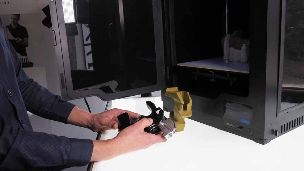 Impugnatura ergonomica stampata in 3D con Zortrax M300 Dual 3D